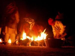 ceremonia tradicional maya con el fuego
