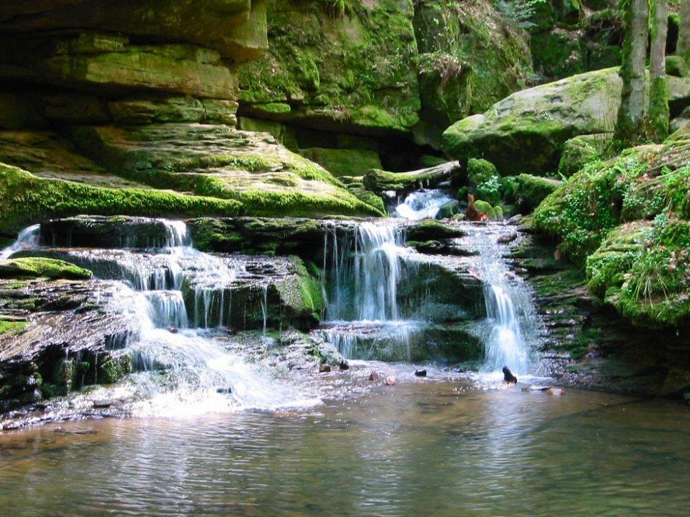cascada-de-agua-797494
