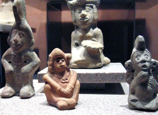 Xochiquetzal, representaciones en cerámicas, actos cotidianos de amor...