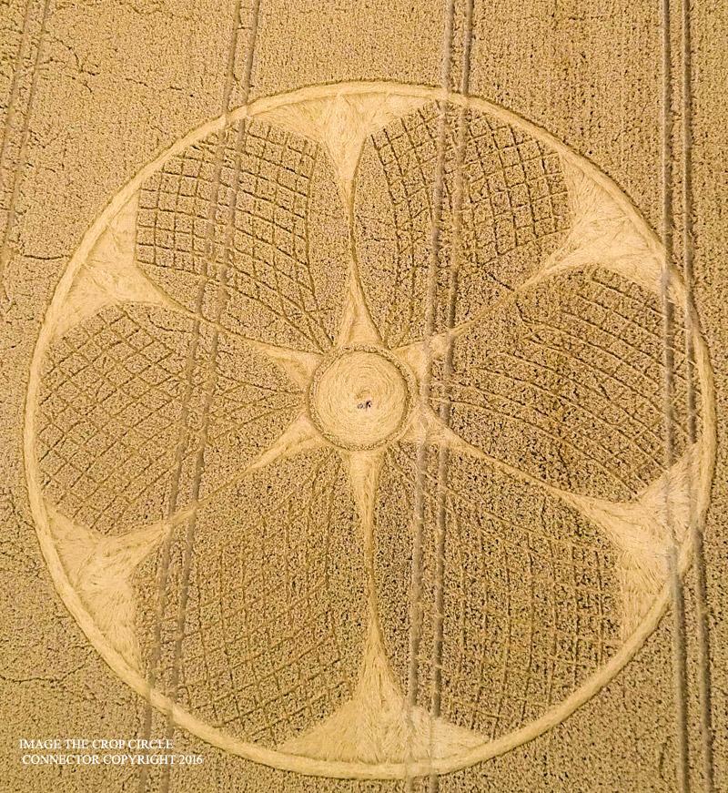 2016.08.05_15.46.44_-_Cropcircleconnector