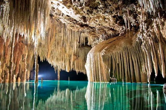 8-maravillosos-cenotes-en-cancun-y-la-riviera-maya-840x558